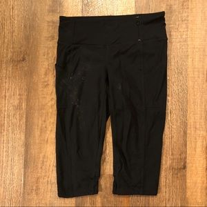 Tangerine work out capris-size small